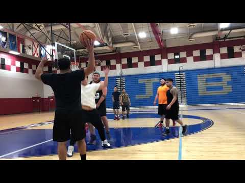 HOOPING UP WITH YOUTUBERS COURT SIDE GAME1...