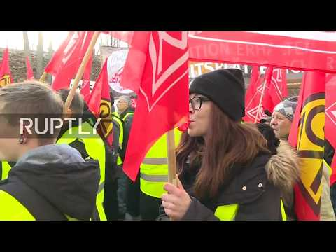 LIVE: Demonstration against factory plant closure takes place in Goerlitz