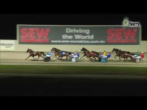 HEAVENLY SISTER wins the 2016 Aldebaran Park R C Freestone Trotters Cup (Group 3)