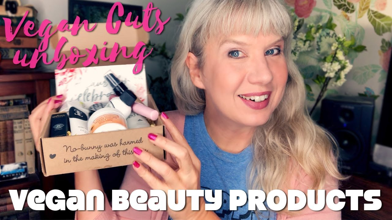 Unboxing & Trying Vegan Makeup & Beauty Products