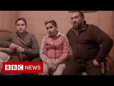 Europe's Roma community's life under Covid - BBC News