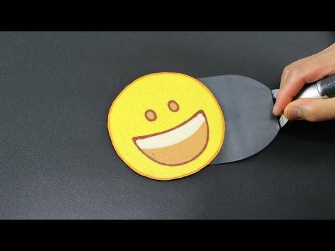 Pancake Art - Emoji Grinning Face by Tiger Tomato