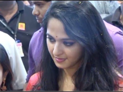 Anushka Shetty Inaugurated Kalamandir Showroom in Kakinada