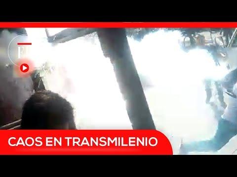 Encapuchado lanzó granada de gas lacrimógeno contra bus de Transmilenio lleno | El Espectador