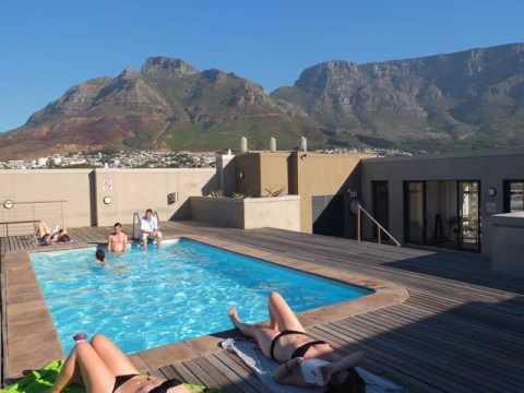 Upmarket Four Seasons Apartments - Cape Town - South Africa