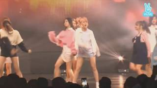 Thành viên TWICE (Momo) cực dễ thương trên sân khấu