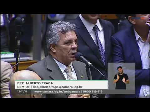 Alberto Fraga discute com Laerte Bessa no plenário da Câmara