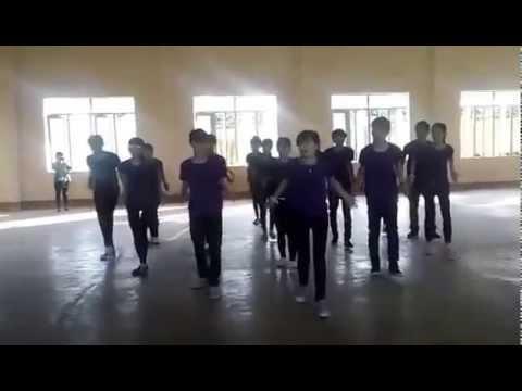 Nhảy dân vũ Té nước lớp 11a1 trường  thpt quang trung