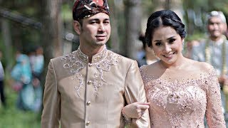 Video SEPERTI PENGANTIN BARU, Lihat Foto-Foto NAGITA SLAVINA Bareng RAFFI AHMAD di SYAHNAZ JEJE WEDDING download MP3, 3GP, MP4, WEBM, AVI, FLV April 2018