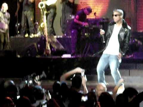Jay-Z Ft Pharrell - So Ambitious