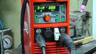 видео Сварочный аппарат инверторный Stanley Star 7000, 200 А, до 5 мм