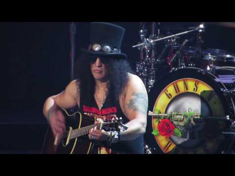 Guns & Roses singing Patience at TD Garden Boston Concert 10/22/17