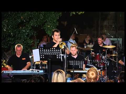 """MRT BIG BAND - """"Here's That Rainy Day"""" live at Suli An"""