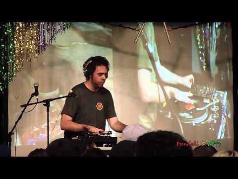 Cut Chemist - Sound Of The Police (Live @ Amoeba Music Hollywood) 3/04/11