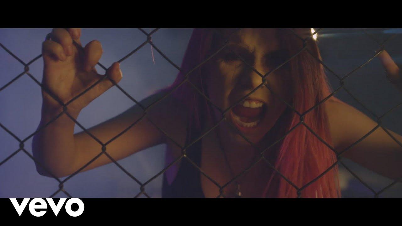 Joaquina (Rock) - Fuertes Feat McFaraon