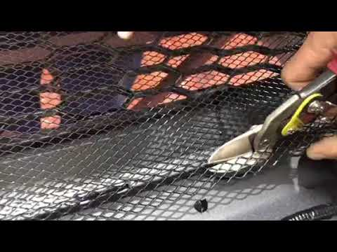 Как установить декоративную сетку в бампер? Установка на примере автомобиля Хонда СРВиз YouTube · Длительность: 50 с