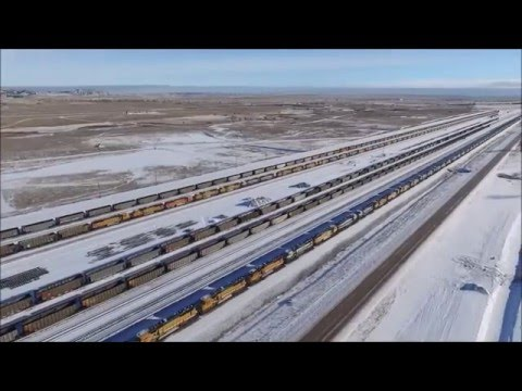 Gillette Wyoming 150 BNSF engines idle at Donkey Creek
