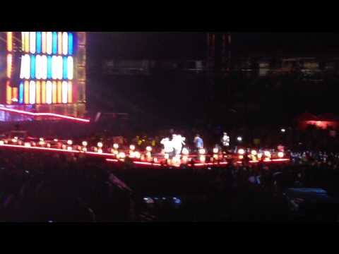 One Direction - Performing Kiss You - Nationals Park, DC - August 11th,2014