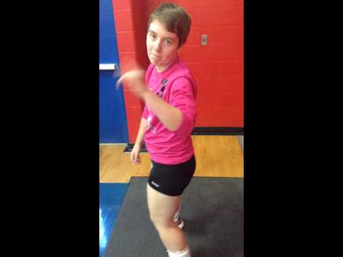 Peoria Heights High School volleyball player dances to Taylor Swift- Shake it off