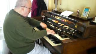 Mike Reed plays Latin-American style favorites on the Hammond Organ
