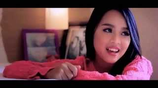 Kania Adhisty  -  Jatuh Cinta (OFFICIAL VIDEO - HD)