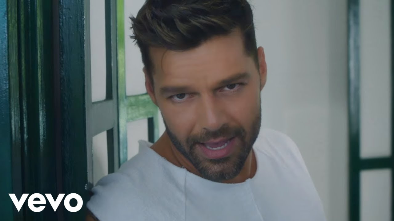 Ricky Martin La Mordidita Official Video Ft Yotuel Youtube