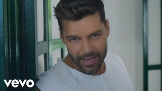 Ricky Martin - La Mordidita ft. Yotuel (Official Video) thumbnail