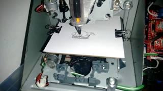 Mini CNC com Drive de CD/DVD