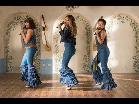 """Com a fofa Lily James à frente, """"Mamma Mia! Lá Vamos Nós de Novo"""" dá bis no clima alegrinho"""
