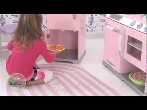 Kidkraft cocina y refrigerador retro rosados 53160 youtube for Cocina y refrigerador juntos