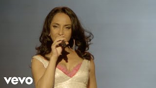 Sade - In The Trenches (Backstage -Live 2011)