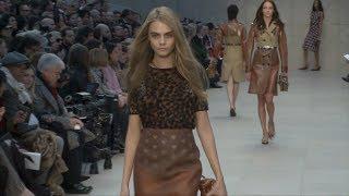 イギリス出身のモデル、カーラ・デルヴィーニュ(Cara Delevingne)は20...