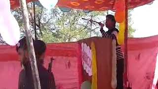 Chahun main ya na Ashique 2 - karaoke covered by Amir khan at UST Bannu