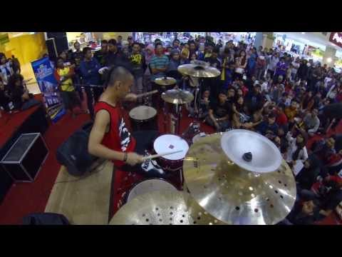 Ikmal Tobing - Solo Drums At Palur Plasa Solo