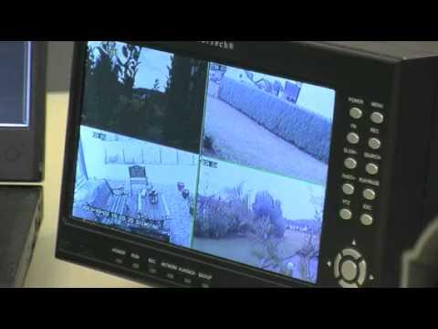 profi berwachungs set recorder mit monitor 4 ccd kameras von visortech px 1222 821 youtube. Black Bedroom Furniture Sets. Home Design Ideas
