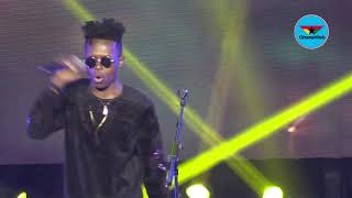 Strongman performs 'Don't Try' at MMC Live