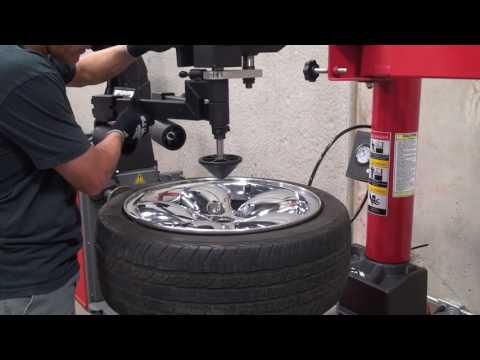 Weaver® Tire Changers W-894XS & W-898XS With W-PL240 Assist Arm