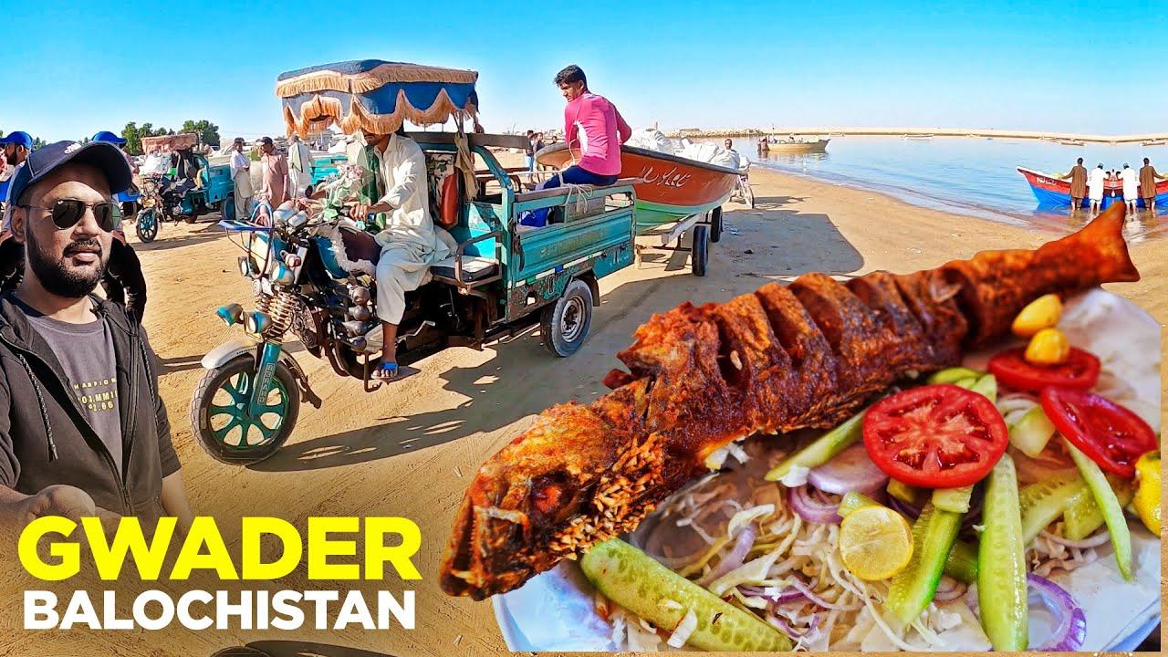 Gwader Street Food   Khuda Baksh Halwai, Spicy Mushka   Karimok ki Chai   Balochistan Food, Pakistan