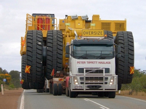 The Biggest Carriers And Trucks In The World! Dangerous Oversize Load Transportation Road Train