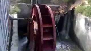 видео Универсальная бесплотинная микро–ГЭС своими руками