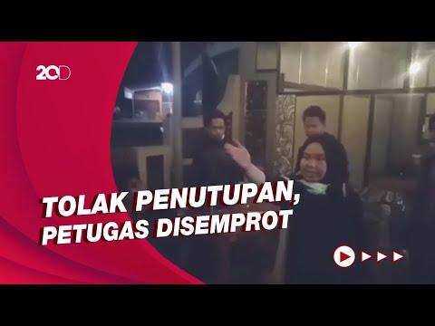 Langgar Jam Operasional, Emak Pengelola Kafe Ngamuk saat Disidak Petugas!