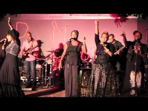 LIVE AT REDBONES (Kingston, Jamaica): Carlene Davis (Walk the Walk)