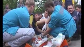 Ребенок перевозился без автокресла - оказание помощи(Не рекомендуется смотреть беременным женщинам, детям и слабонервным. Работают медики Новосибирска - 2006..., 2012-02-17T09:22:01.000Z)