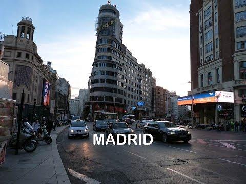 Madrid   paseando por calle gran vía