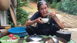 Tôm đồng rang với măng mai món quê mẹ làm  - Cơm Mẹ Nấu.(Shrimp with bamboo shoots)