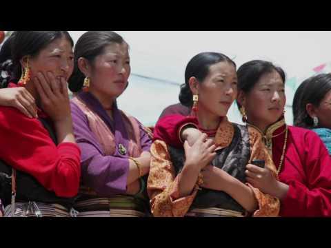Plundering Tibet