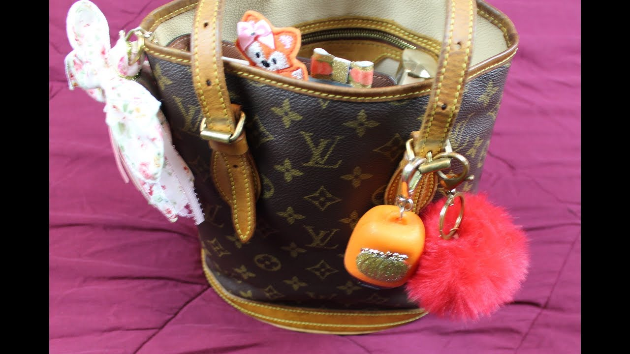 1a4035c90c15 What s in my Purse   Louis Vuitton PM Bucket