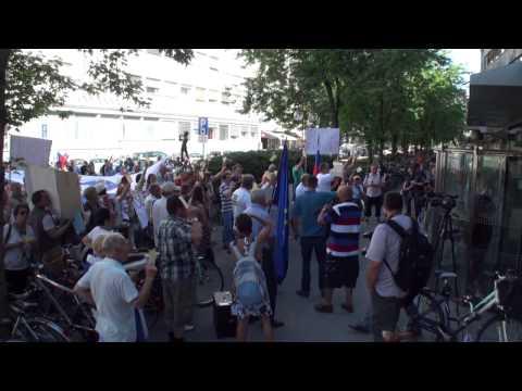 Shod pred RTV Slovenija 7.7.2014