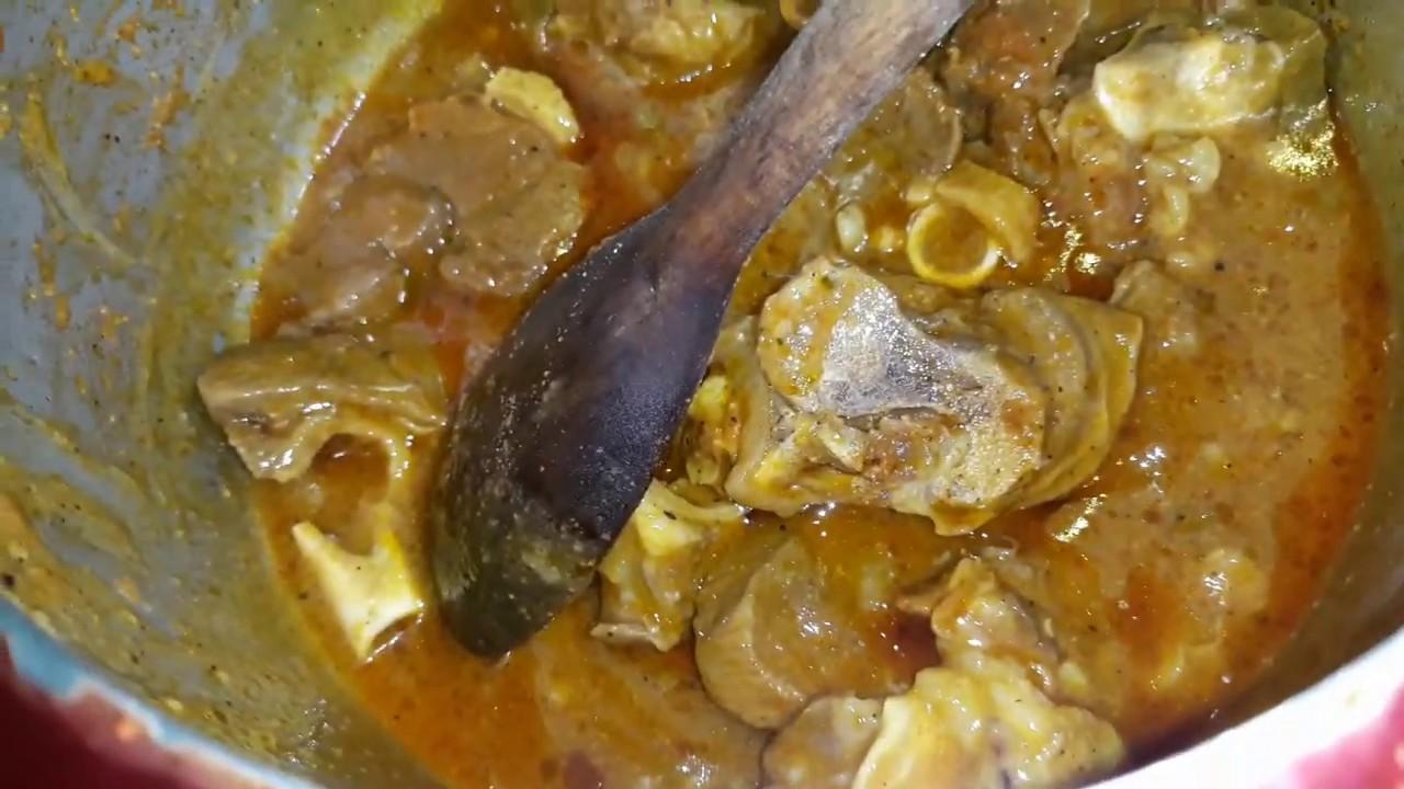 Um jeito simples e rápido de como preparar uma carne de carneiro bem suculenta