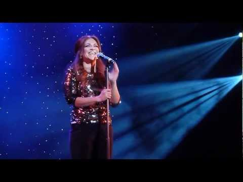 """Shoshana Bean sings """"Happy Days Are Here Again"""" on The Broadway Cruise"""